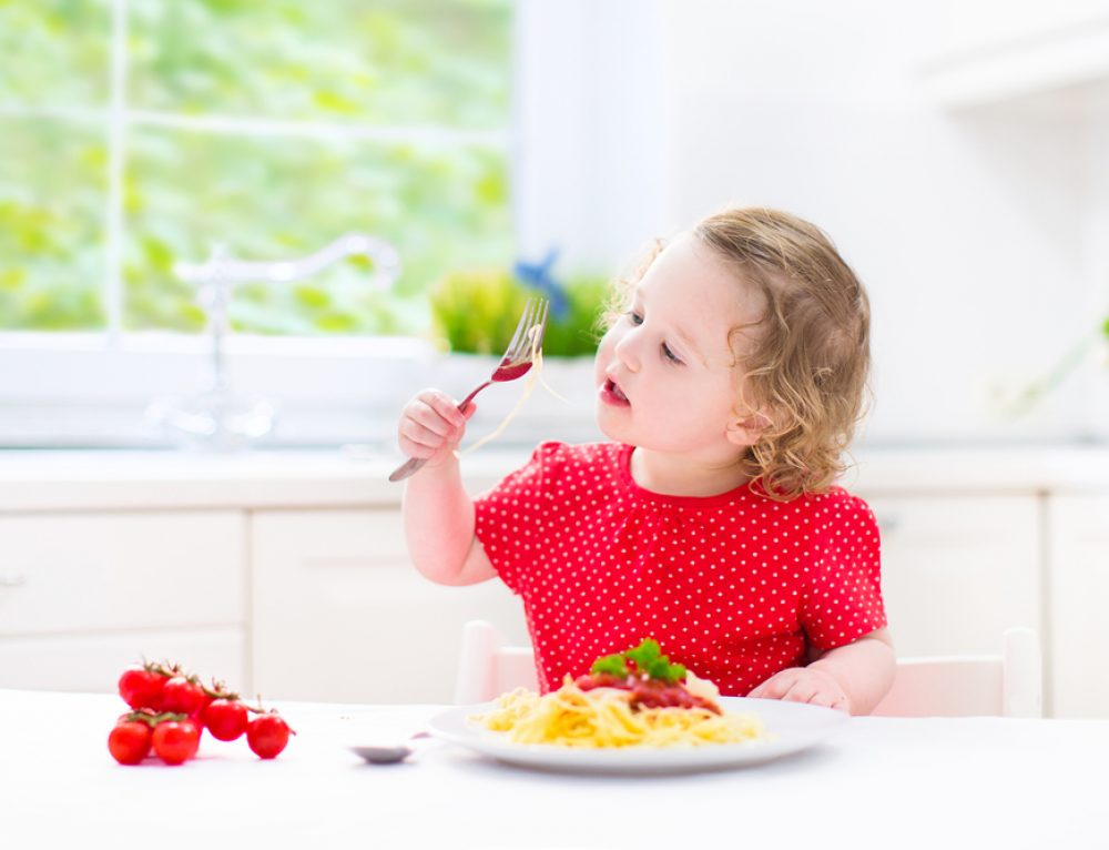 3 טיפים פשוטים אך יעילים שיעזרו לילדיכם לאכול פחות